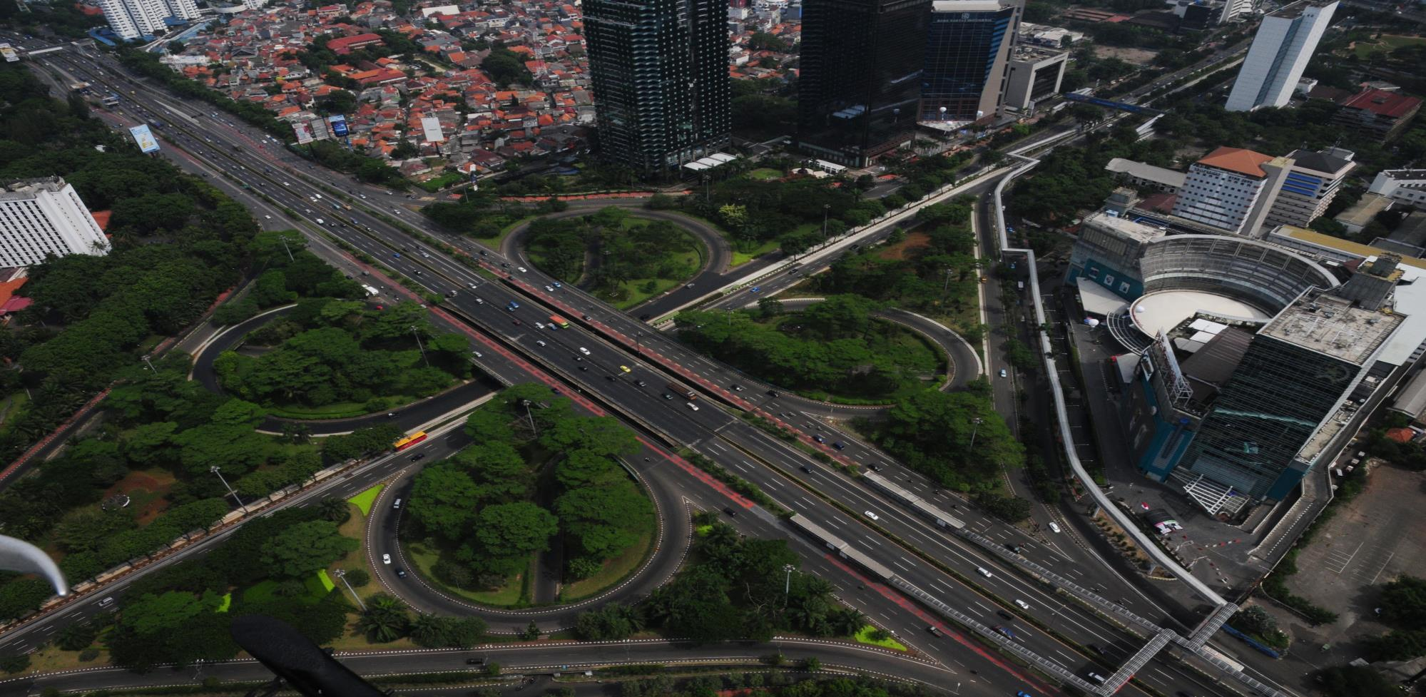 TOLL ROAD RECENT DEVELOPMENT IN INDONESIA EKA PRIA ANAS BOARD MEMBER, INDONESIA