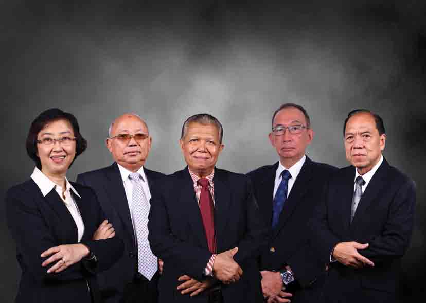 Profil Dewan Komisaris Board of Commissioner's Profile ANGELINE SUTEDJA Komisaris Commissioner PRASASTO SUDYATMIKO Komisaris Independen Independent Commissioner MARZUKI USMAN Komisaris