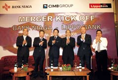 senior executives of Bank Niaga and Bank Lippo.